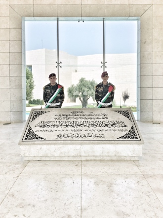 Am Grab von Jassir Arafat.