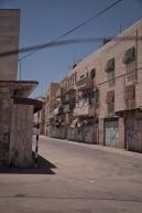 Ehemalige arabische Marktstraße in Hebron, jetzt sind die meisten Geschäfte geschlossen. Das Militär hat die Straße gesperrt.